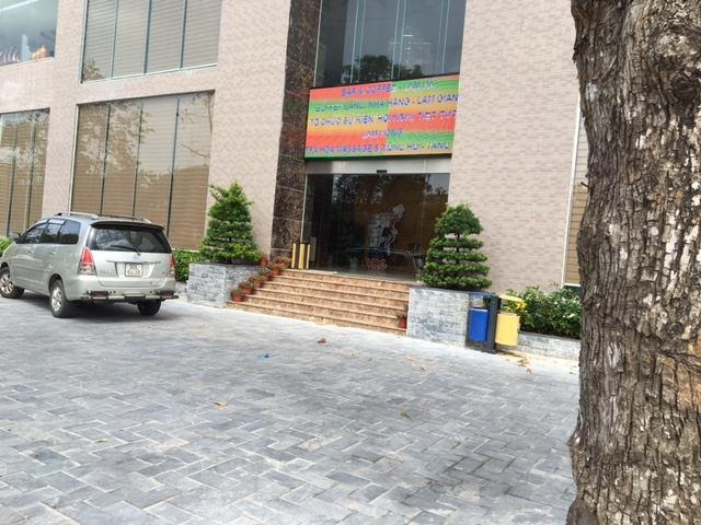 Thi công đá sân, bo vỉa Khách sạn Mường Thanh Cửa Đông